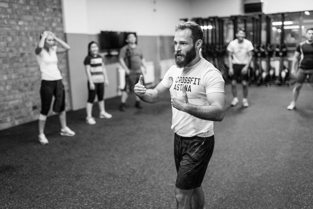 Crossfit Astana trainer Benjamin Palmer at work.