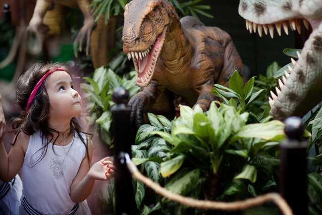 Photo credit: Khan Shatyr. Dinosaurs Park