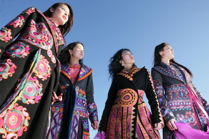 Kazakh Traditional Clothing Past and Present (11)