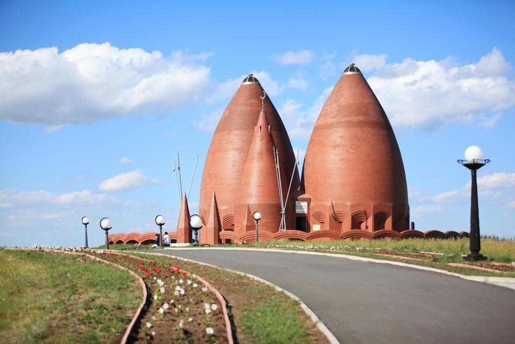 Memorial complex of Karasai and Agyntai batyrs, Aiyrtau district