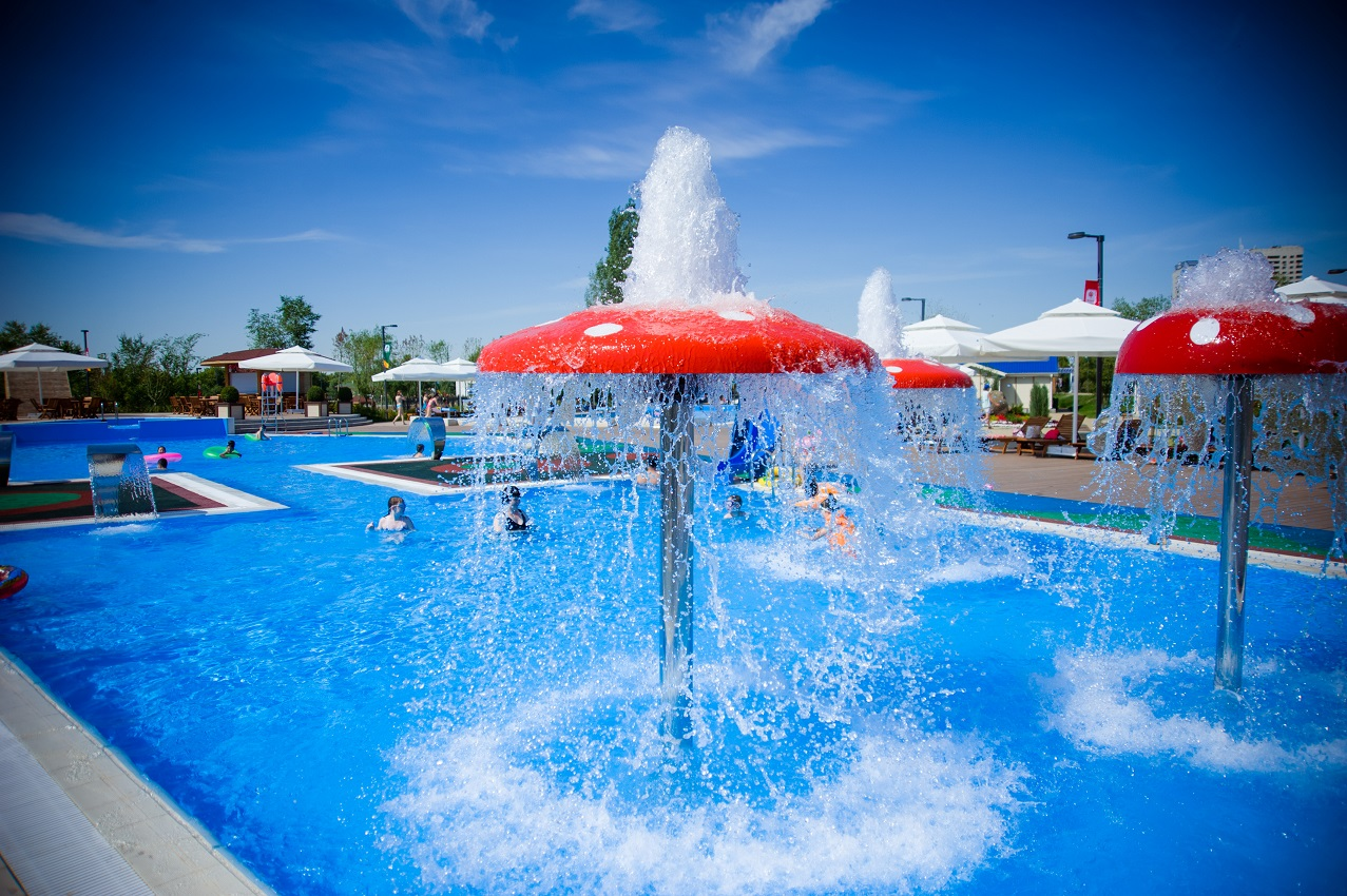 Outdoor Public Pool Opens In Downtown Astana