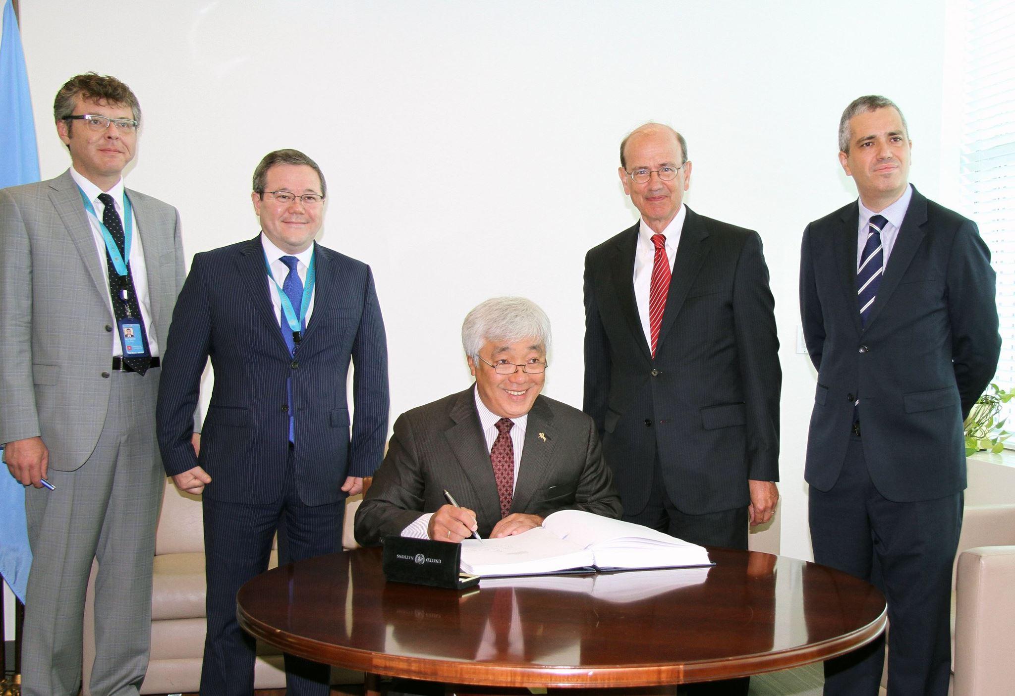 Kazakhstan Signs Paris Climate Change Agreement