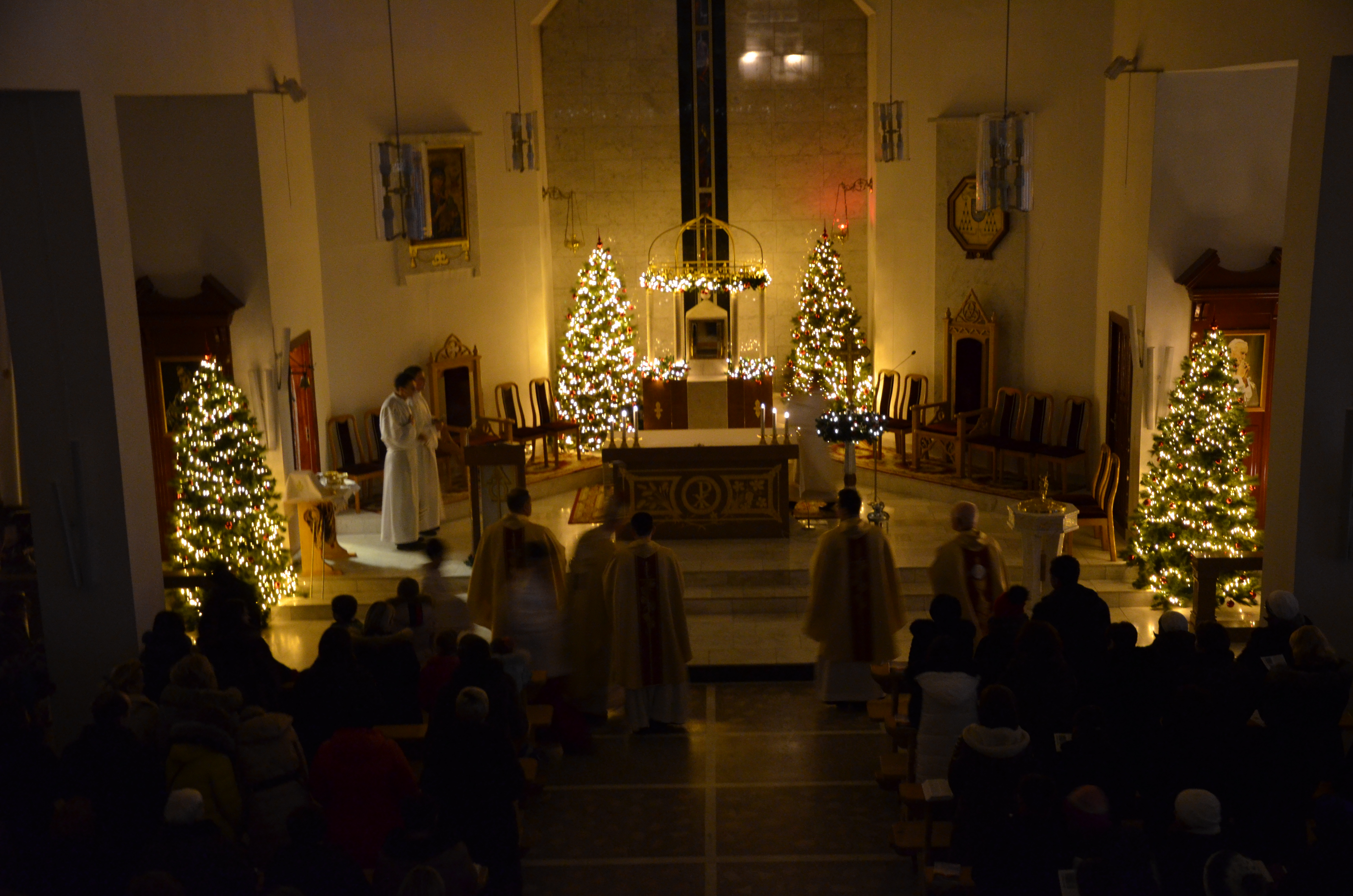 christmas mass at our lady of perpetual help - Do Catholics Celebrate Christmas
