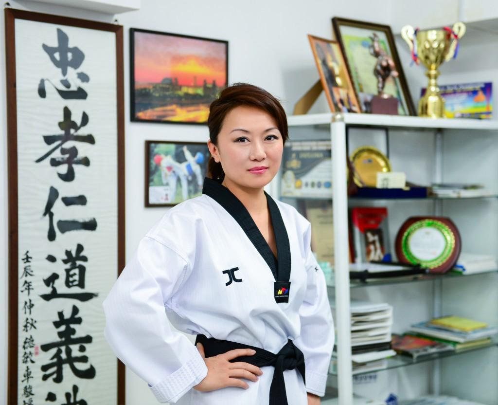 Kazakhstan_YesSheCan_taekwondo coach
