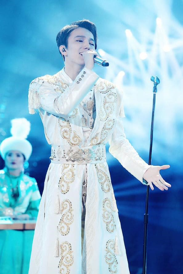Kazakh singer named most popular singer of the year in China - The