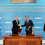 Georgian Deputy  Prime Minister and Foreign Minister Mikheil Janelidze (L) and Kazakh FM Kairat Abdrakhmanov (R).