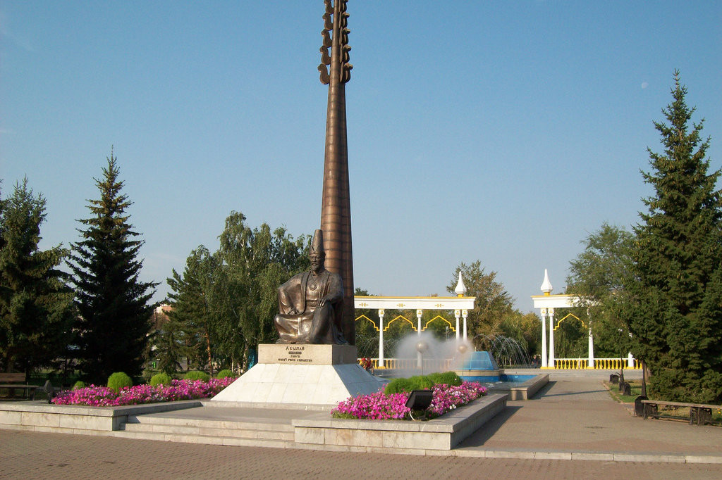 Abylai Khan statue Photo credit yandex.ru