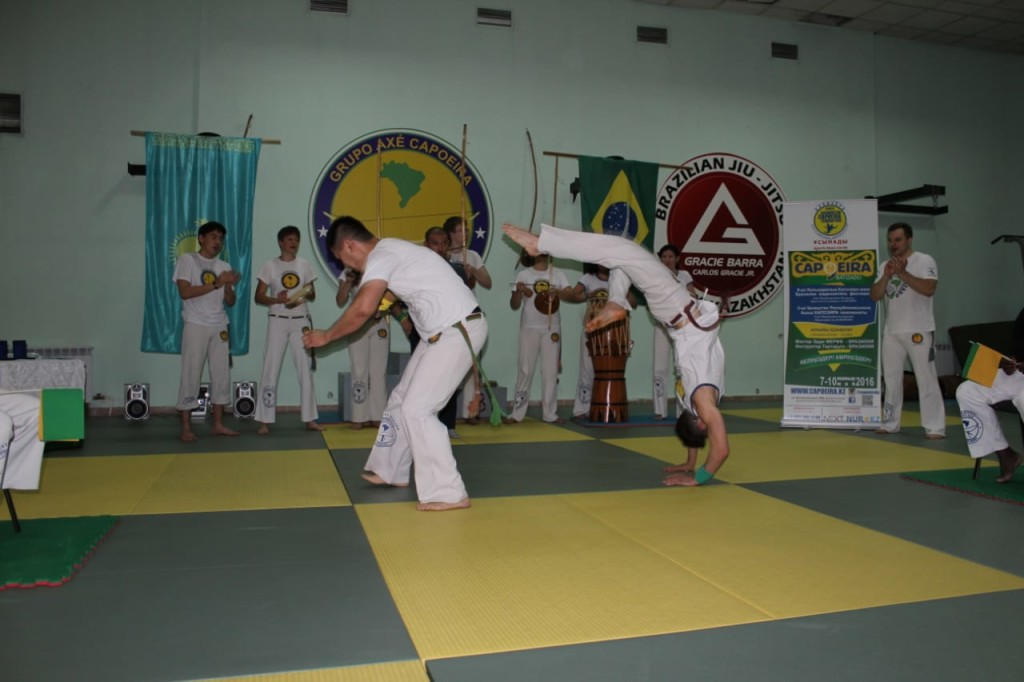a narrative of my five years of training in capoeira 2014-1-7 writing memoir and writing for therapy  genre 20 years ago when  hodge-podge of a life into a cohesive narrative, something i need for my world and my.