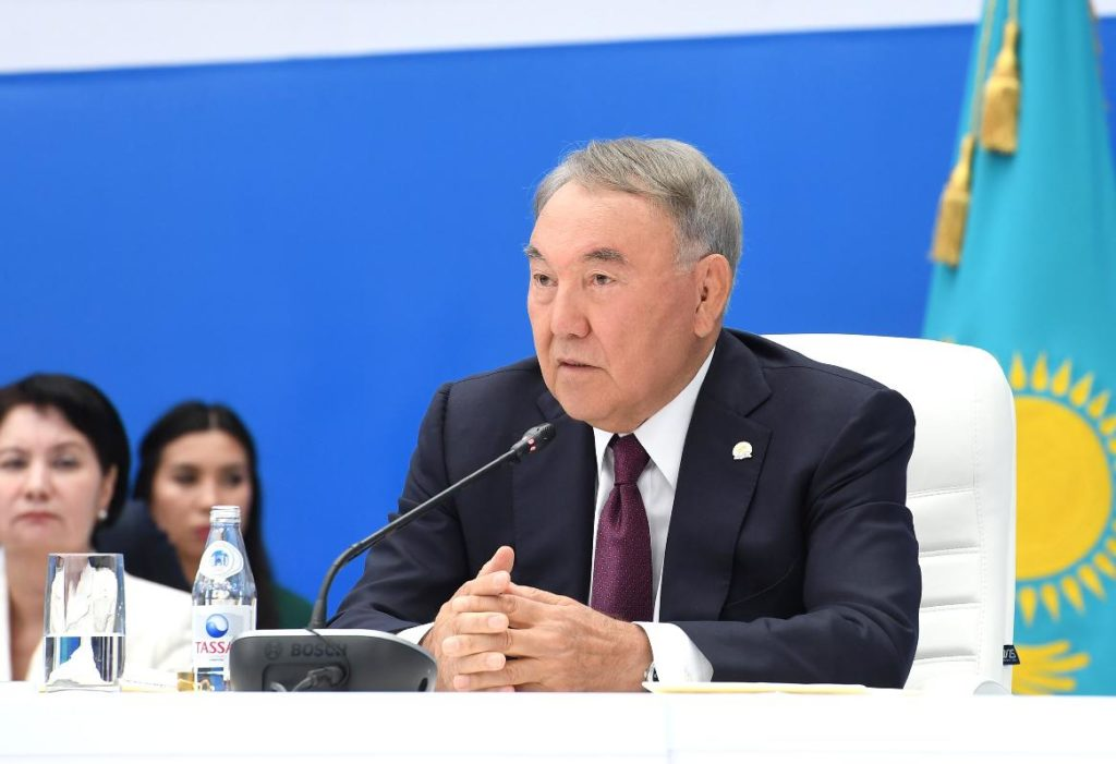 """dsc8344s0 1024x701 - Назарбаев призывает новые идеи для партии """"Нур Отан"""" в целях удовлетворения потребностей людей"""