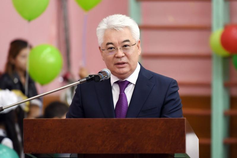 Kazakh Minister of Foreign Affairs Beibut Atamkulov - Министров Казахской представить сведения о новый Pro-учитель законодательством на День знаний