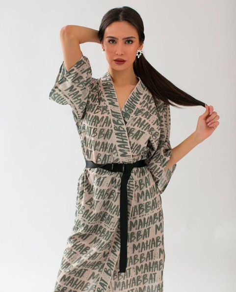 Mahabbat wrap dress - Дизайнер использует моды на привитие любви к казахской культуре