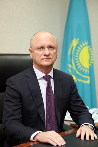Roman Sklyar - Президент РК перестановки ключевых государственных и Министерство сообщения