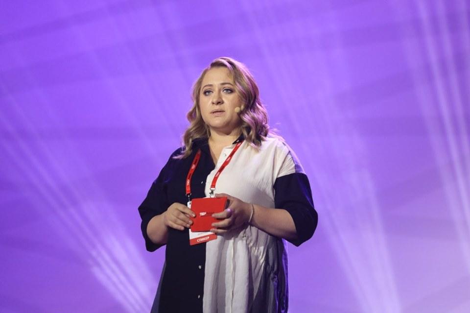 """Yuliya Denissenko - """"Под одним солнцем"""" конференция TEDx обсуждает идеи, которые помогут преодолеть разногласия"""
