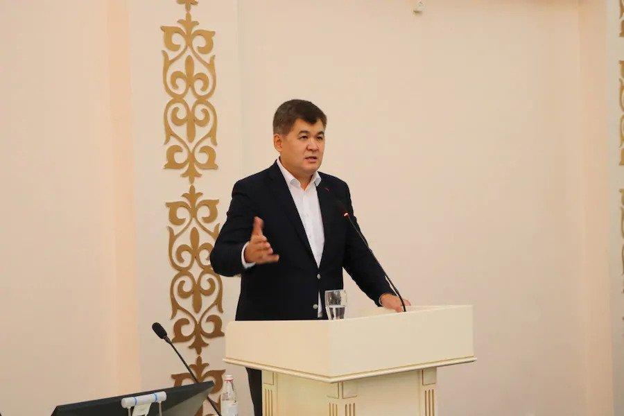 ezgif 3 6c9d28210780 - Казахстан для запуска обязательного медицинского страхования 10 лет