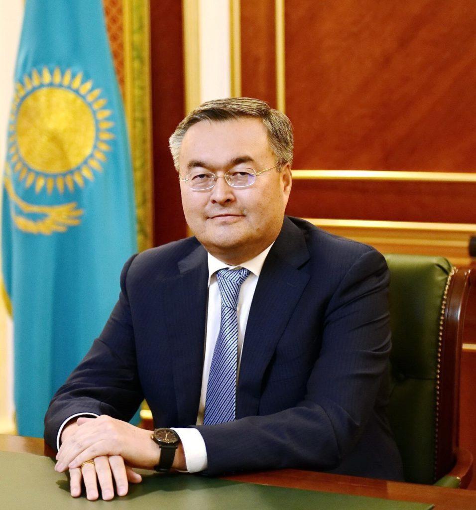 image1 1 956x1024 - Президент РК перестановки ключевых государственных и Министерство сообщения