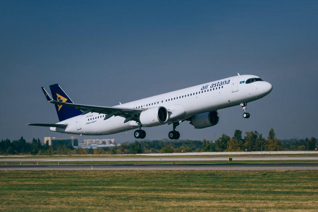"YES 9010 1 1024x683 - ""Эйр Астана"" представила первый самолет Airbus A321LR"