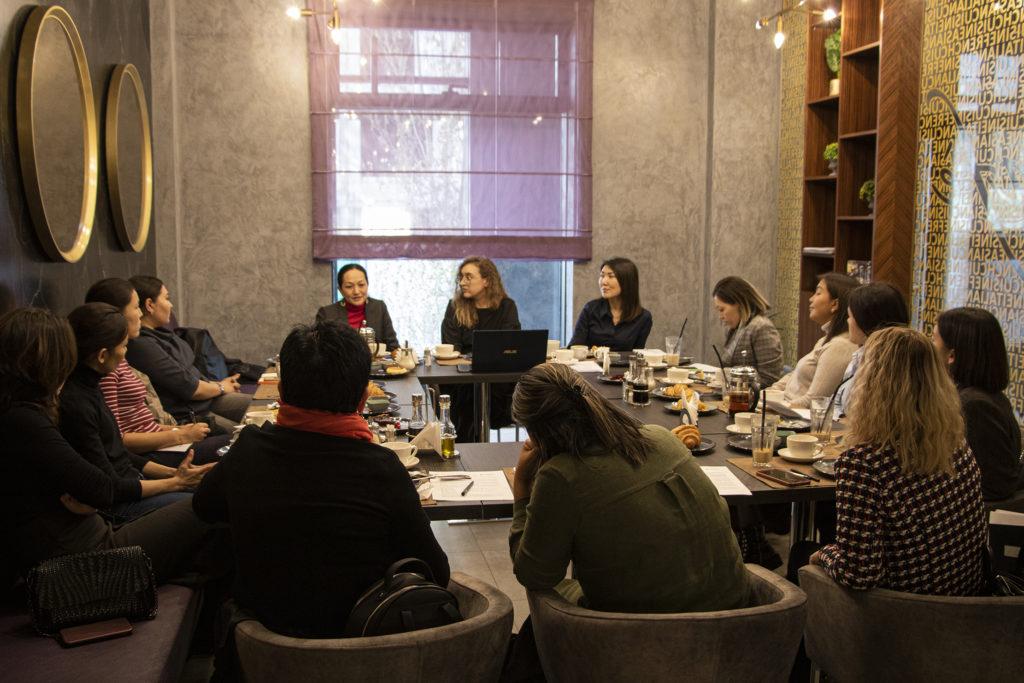 breakfast1 1024x683 - Обучение, лекции запускает серию помочь казахстанским родителям половое воспитание