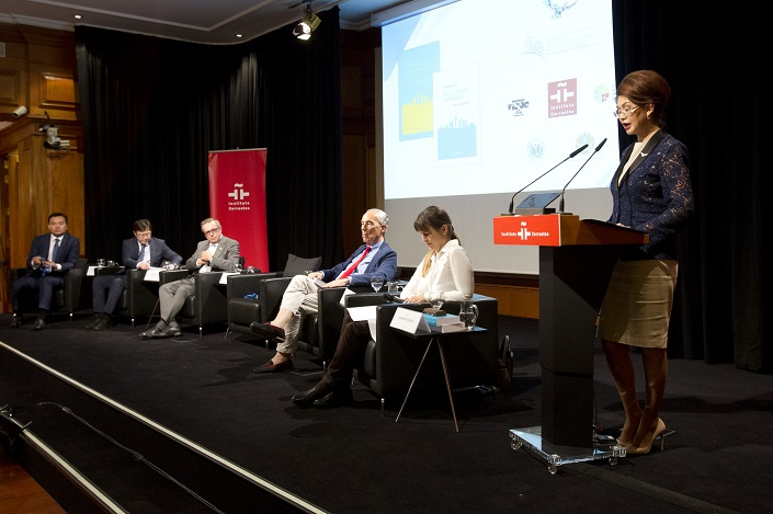 madrid  - Мадрид принимает на испанском языке презентация казахском хрестоматии литература