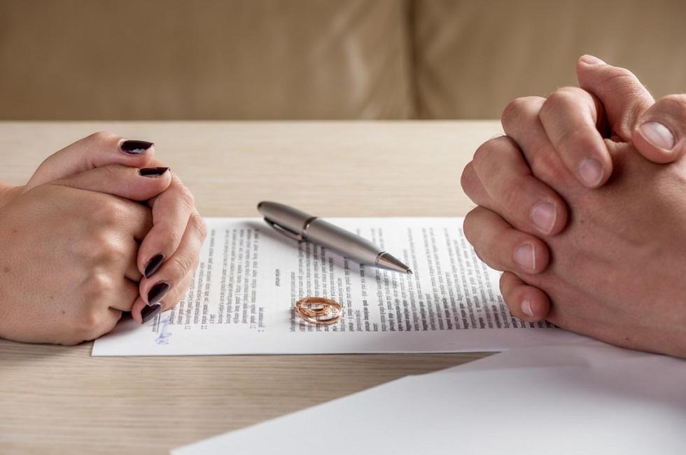 1574675866 news b - Вмешательство родственников наиболее распространенный фактор развода среди казахстанских пар – исследование
