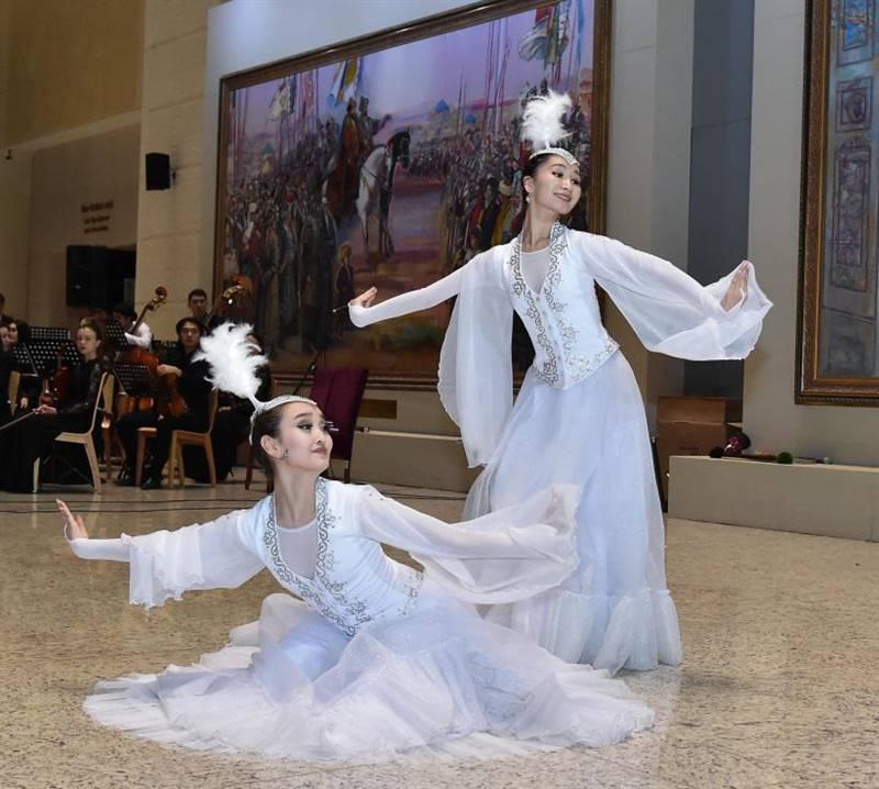 29 11 2019 2 6 - Казахского Национального музея-большое событие Степной