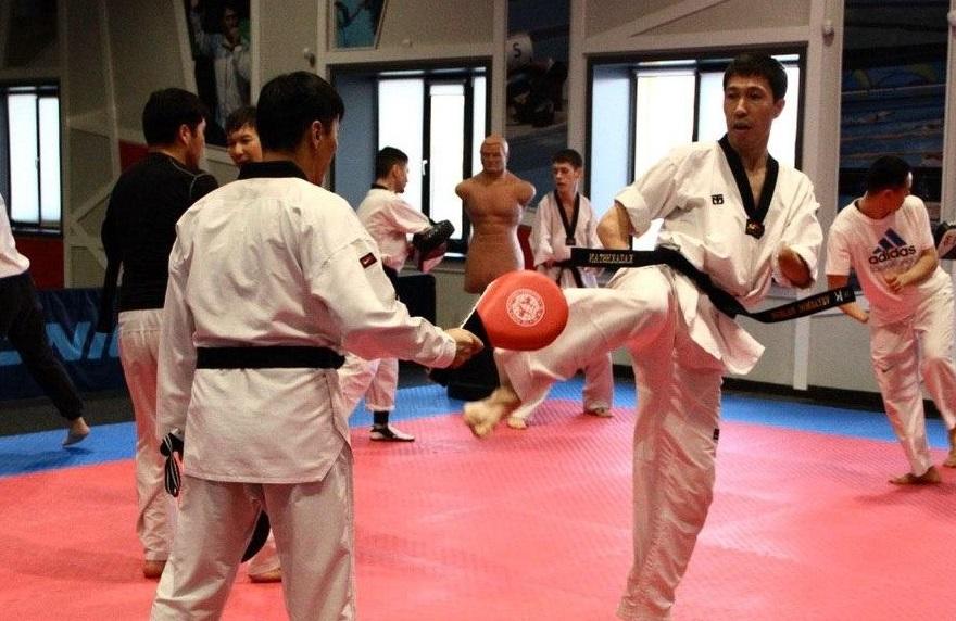 %D0%A3%D0%A2%D0%A1 1 1 - Казахский пункт тхэквондо спортсмен получает олимпийскую лицензию