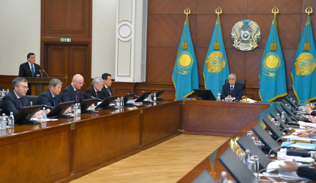 725bee4506339a2181f4dc1bc56412d7 1024x593 - Президент Казахстана призывает к новым экономическим курсом
