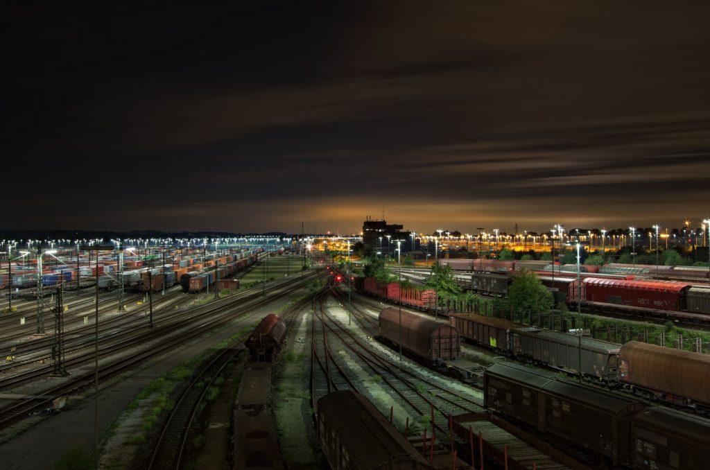 railway station 1363771 1920 1 1024x678 - Транзит грузов через Казахстан вырос на 23% в 2019