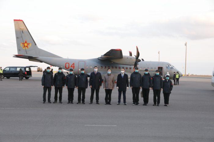 Arrival of Chinese doctors. Photo credit Kazakh Foreign Ministry 1 700x467 - Китайские специалисты посетят Казахстан, дать чистое страну здоровья