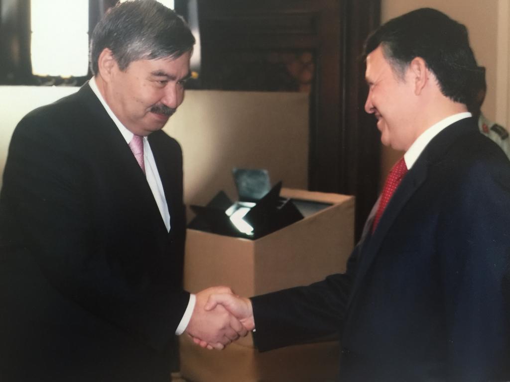 49ae02ac 210c 4438 a610 eb9f085bada9 1 - Казахстан празднует своего дипломатической службе праздника