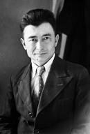 Kazastanio markas 110 jarojn post naskiĝo de eminenta poeto Kassym Amanzholov – (Kazaĥa fonto)